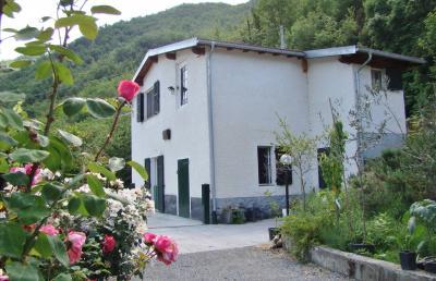 Villa in Vendita a Vessalico