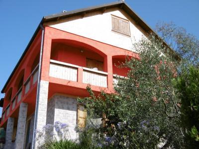 Villa in Vendita a Aurigo