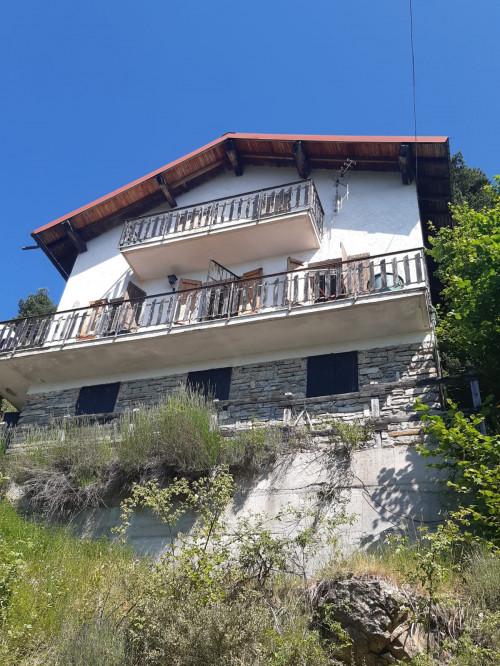Casa singola in Vendita a Mendatica