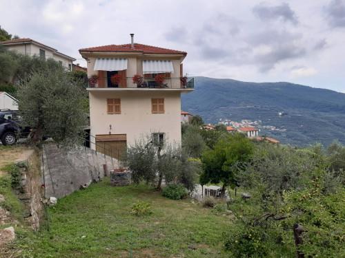 Casa singola in Vendita a Borgomaro