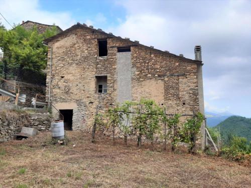 Rustico in Vendita a Borghetto d'Arroscia