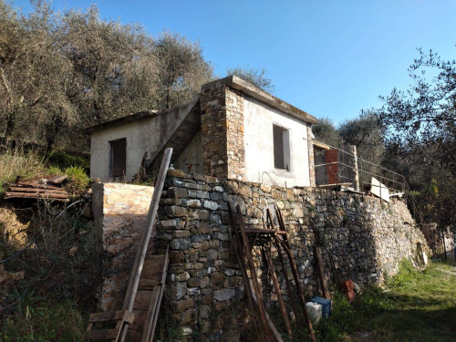 Rustico in Vendita a Villanova d'Albenga