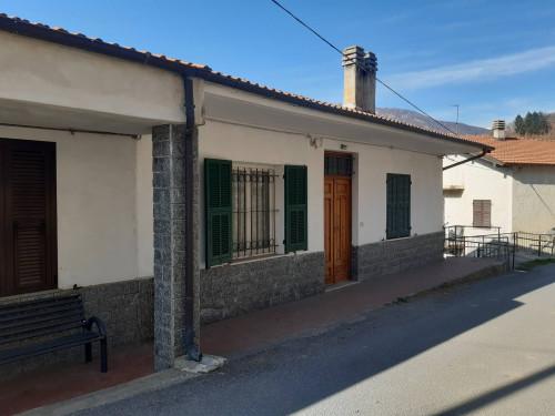 Casa singola in Vendita a Cosio d'Arroscia