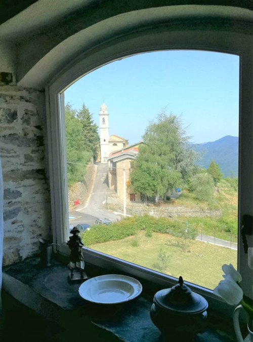 Villa in Affitto a Pieve di Teco