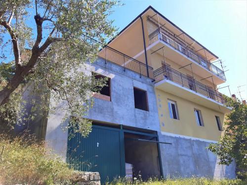 Casa singola in Vendita a Cesio