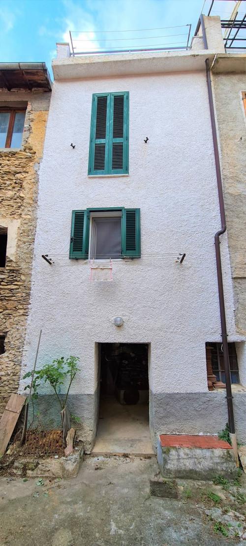 Casa singola in Vendita a Pornassio