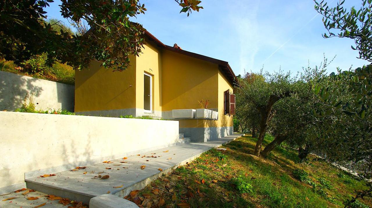 Villa in vendita a Pietra Ligure, 3 locali, prezzo € 270.000 | Cambio Casa.it