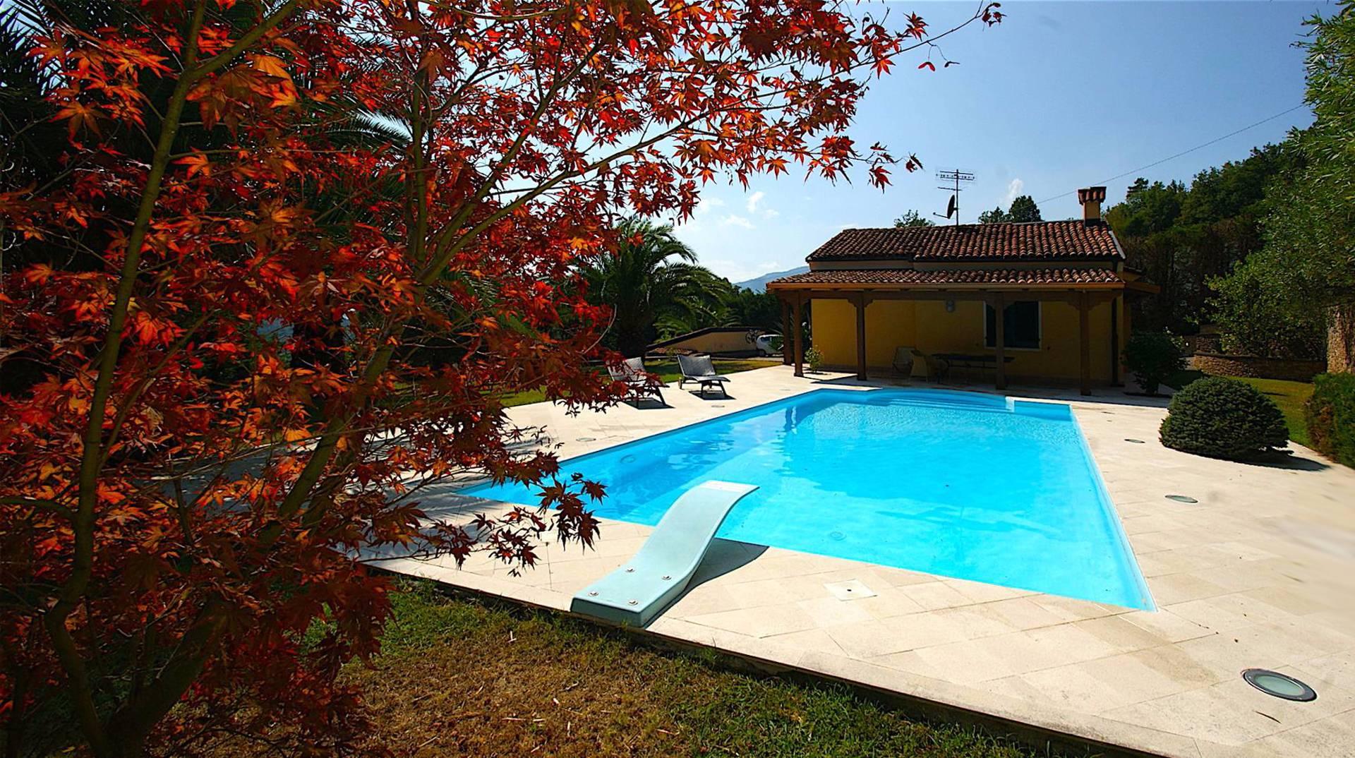 Villa in vendita a Finale Ligure, 7 locali, zona Località: Gorra, prezzo € 850.000 | Cambio Casa.it