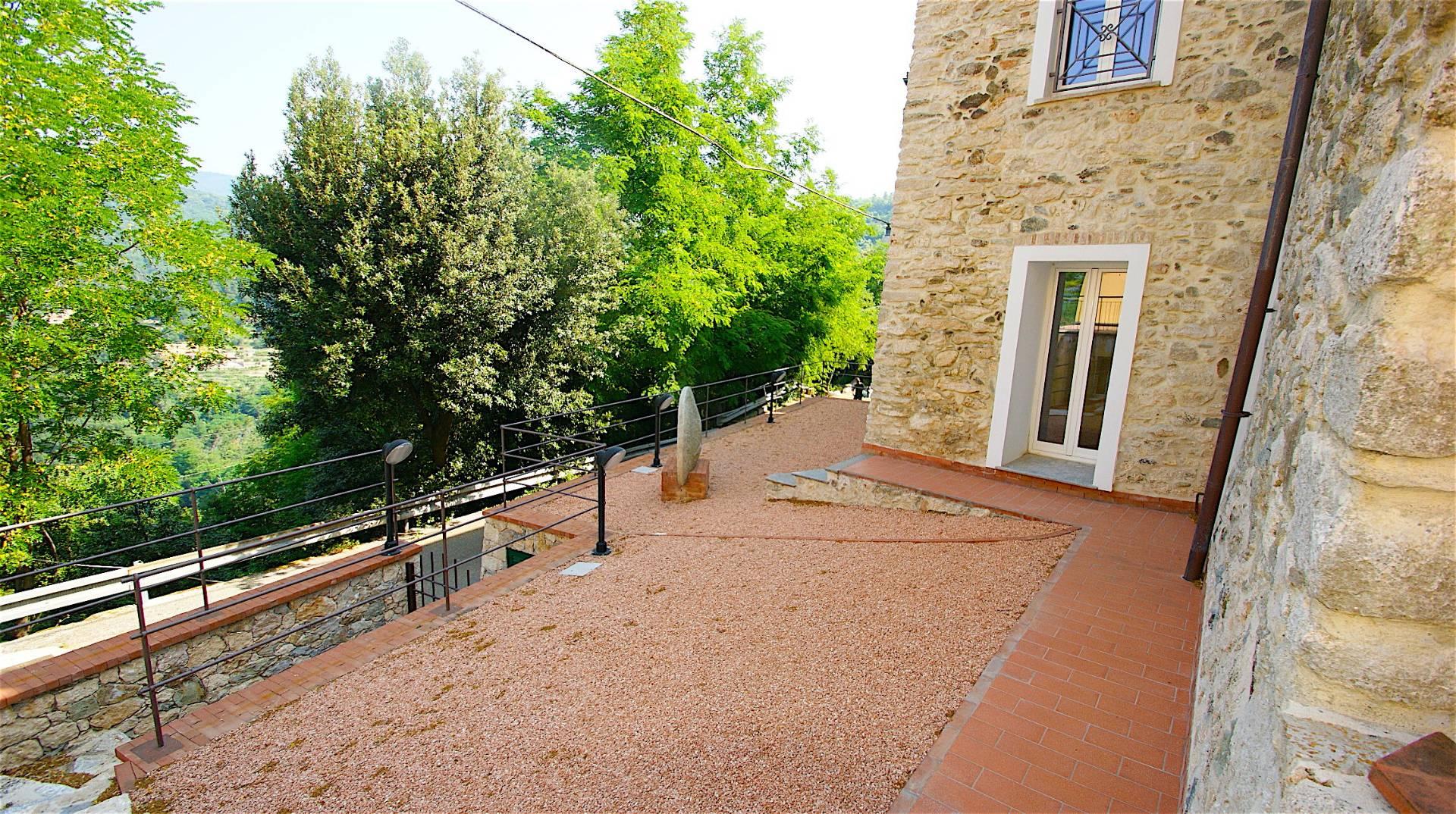 Appartamento in vendita a Orco Feglino, 2 locali, zona Zona: Orco, prezzo € 110.000 | CambioCasa.it