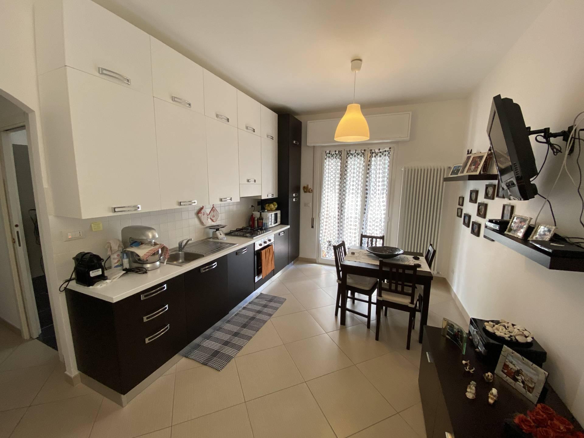 Appartamento in vendita a Finale Ligure, 3 locali, prezzo € 260.000 | CambioCasa.it