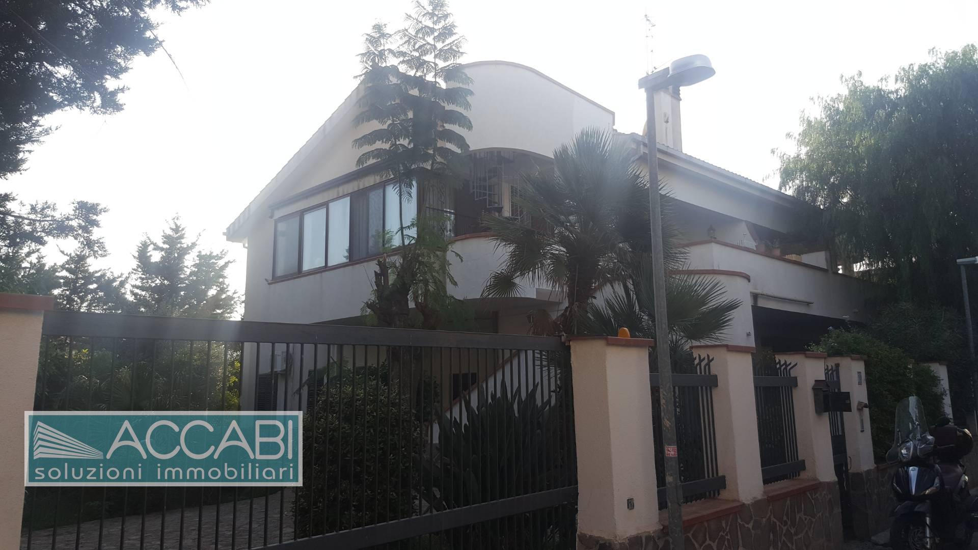 Villa in vendita a Capaci, 8 locali, prezzo € 289.000 | CambioCasa.it