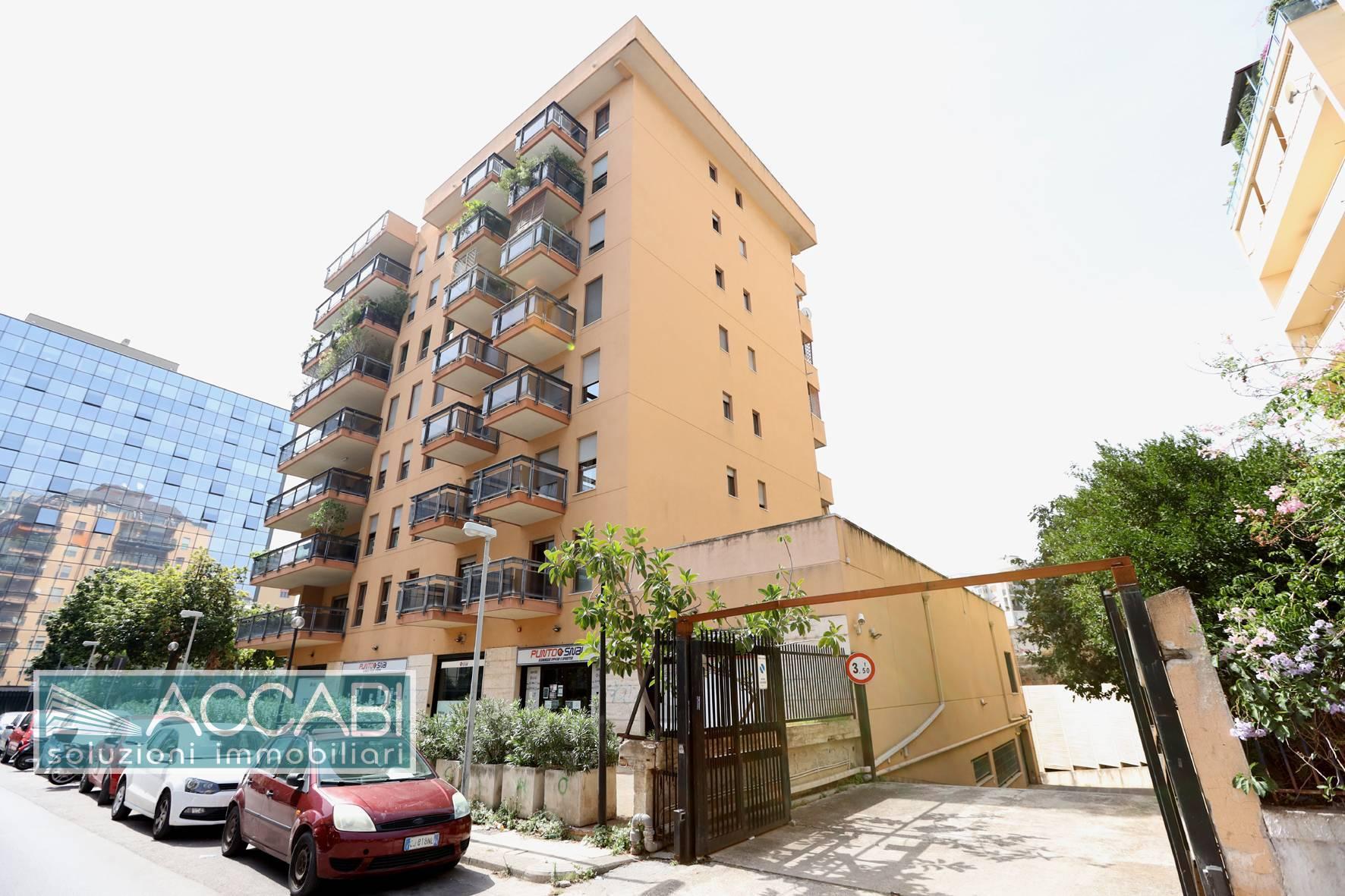 Appartamento in vendita a Palermo, 6 locali, zona Località: Lazio, prezzo € 430.000   PortaleAgenzieImmobiliari.it