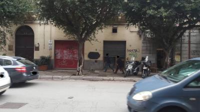 locale artigianale in Affitto a Palermo