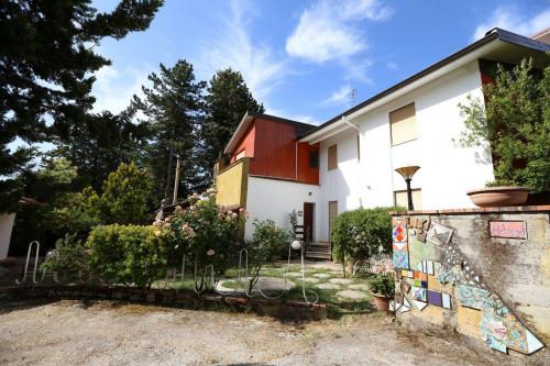 Villa in Vendita a Piana degli Albanesi