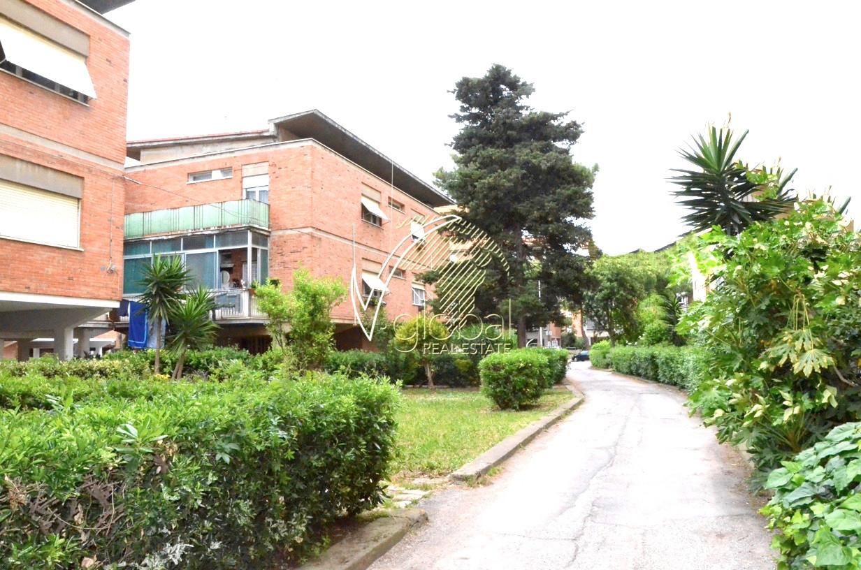 Appartamento in vendita a Livorno, 4 locali, zona Zona: ARDENZA, prezzo € 110.000 | Cambio Casa.it