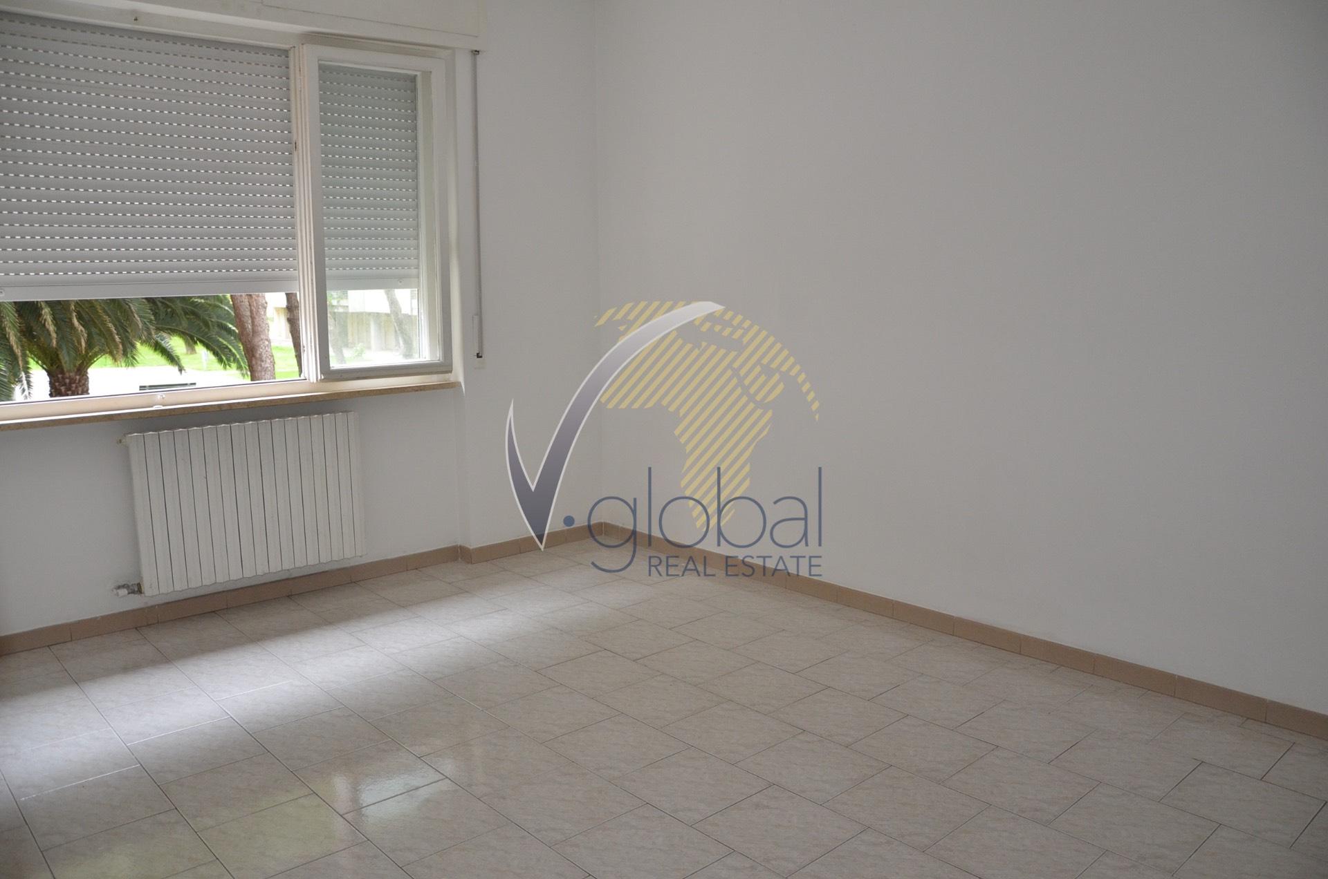 vendita appartamento livorno centro  105000 euro  3 locali  75 mq