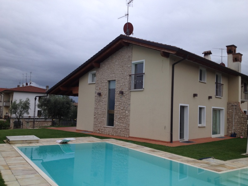 Villa Bifamiliare in vendita a Adro, 4 locali, Trattative riservate | Cambio Casa.it