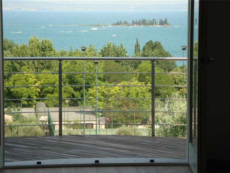 Villa in vendita a San Felice del Benaco, 5 locali, Trattative riservate | Cambio Casa.it