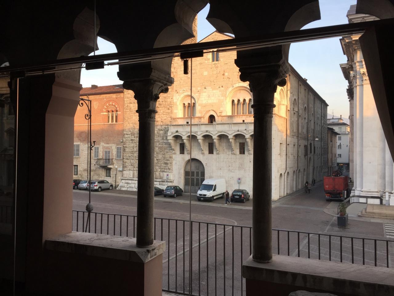 Appartamento in affitto a Brescia, 3 locali, zona Località: 1-CENTROSTORICO, prezzo € 690.000 | Cambio Casa.it