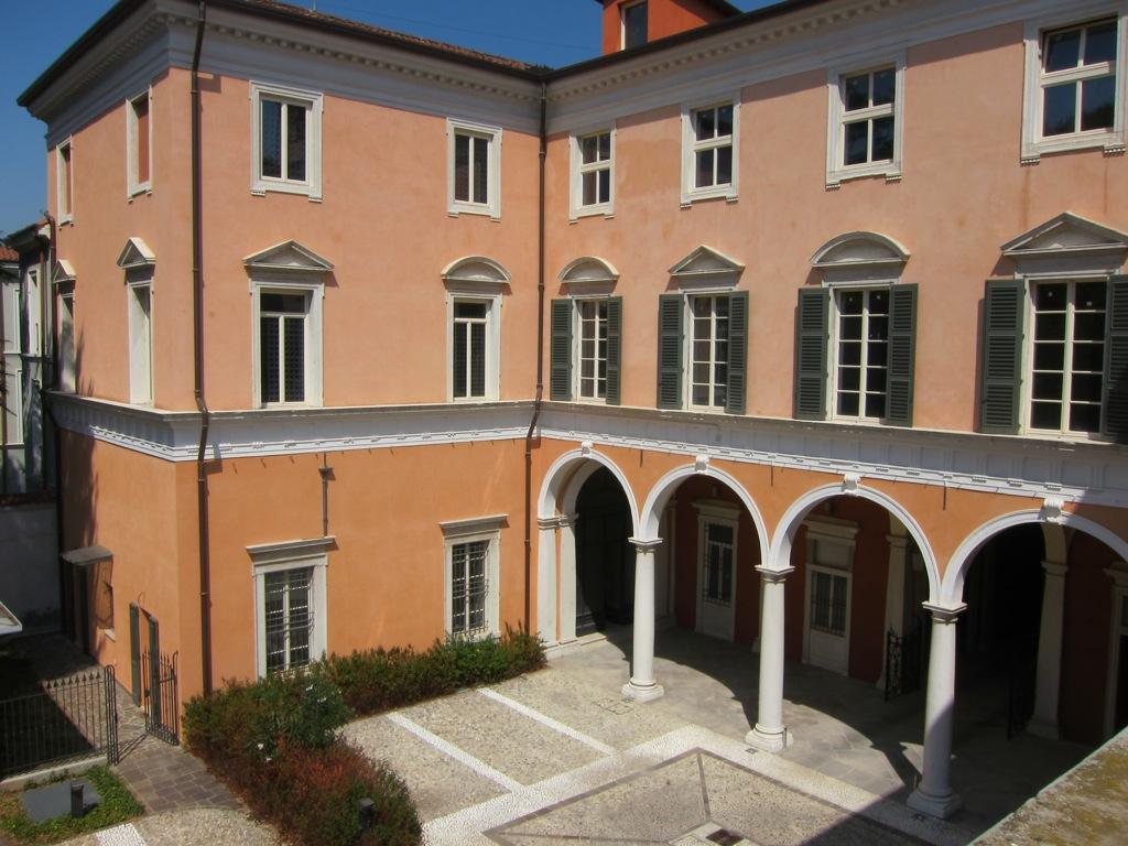 Attico / Mansarda in vendita a Brescia, 5 locali, zona Località: 1-CENTROSTORICO, Trattative riservate | Cambio Casa.it