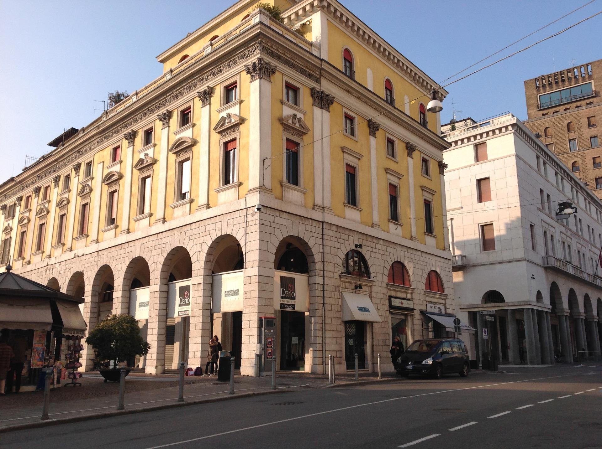 Appartamento in vendita a Brescia, 2 locali, zona Località: 1-CENTROSTORICO, prezzo € 140.000 | Cambio Casa.it