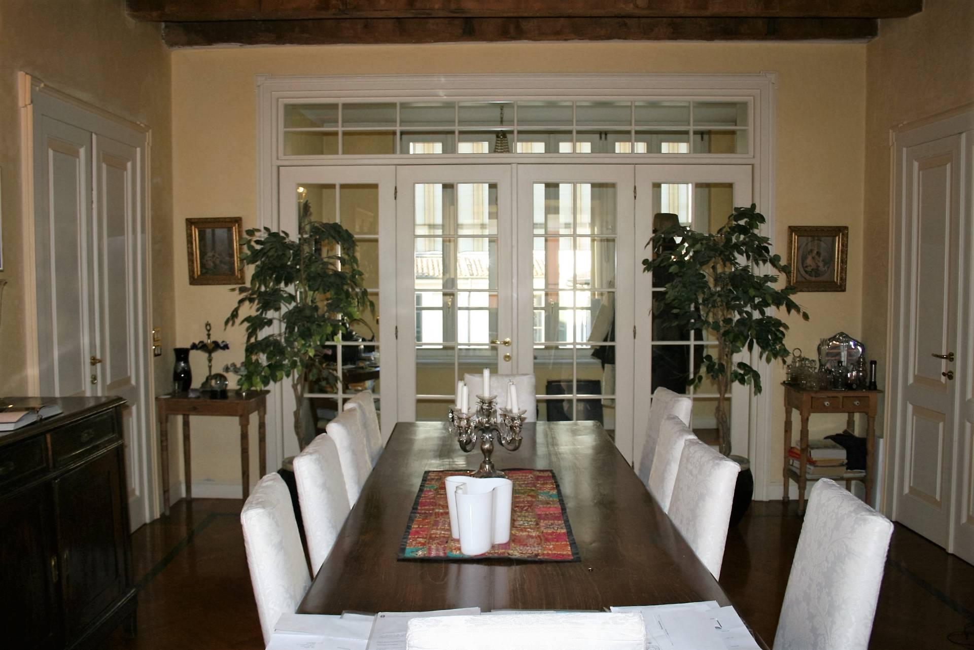 Appartamento in vendita a Brescia, 4 locali, zona Località: 1-CENTROSTORICO, prezzo € 630.000 | Cambio Casa.it