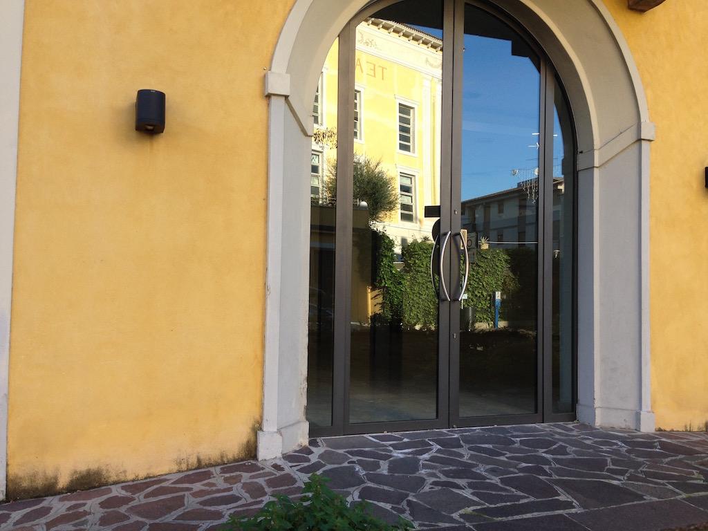 Negozio / Locale in Affitto a Desenzano del Garda