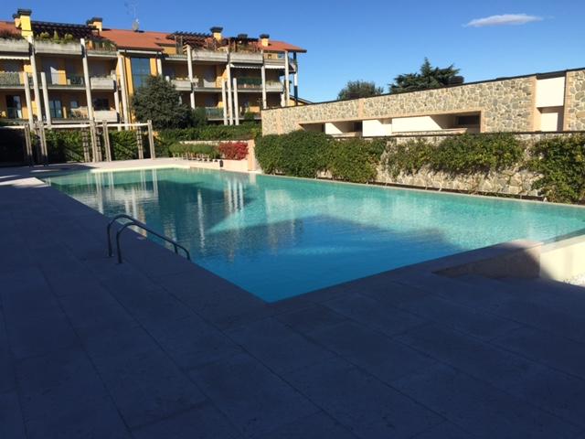 Appartamento in vendita a Desenzano del Garda, 3 locali, zona Località: *COLLINARE*, prezzo € 330.000 | Cambio Casa.it