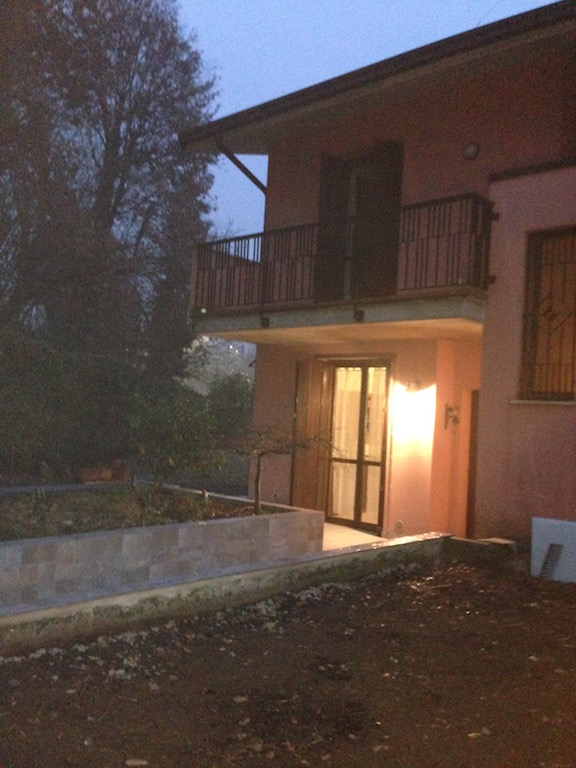 Villa a Schiera in vendita a Desenzano del Garda, 4 locali, zona Località: *PERIFERIA*, prezzo € 430.000 | Cambio Casa.it