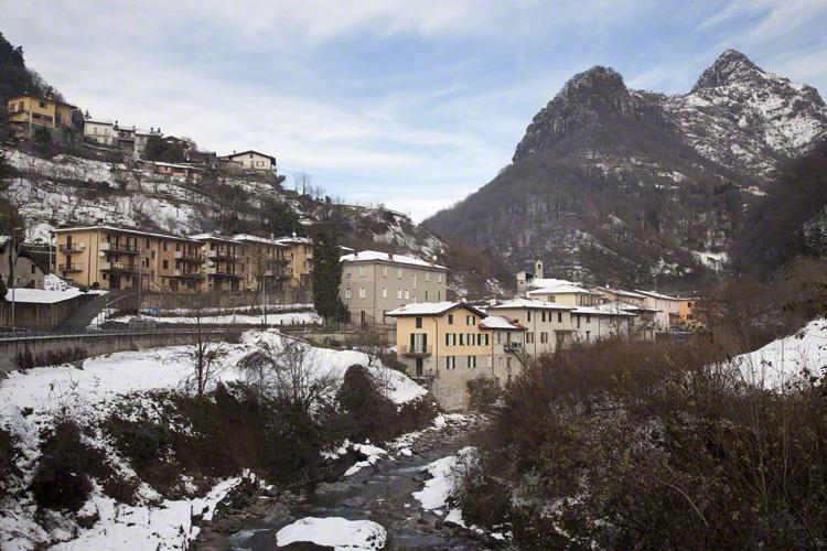 Appartamento in vendita a Tavernole sul Mella, 3 locali, zona Zona: Pezzoro, prezzo € 55.000 | Cambio Casa.it