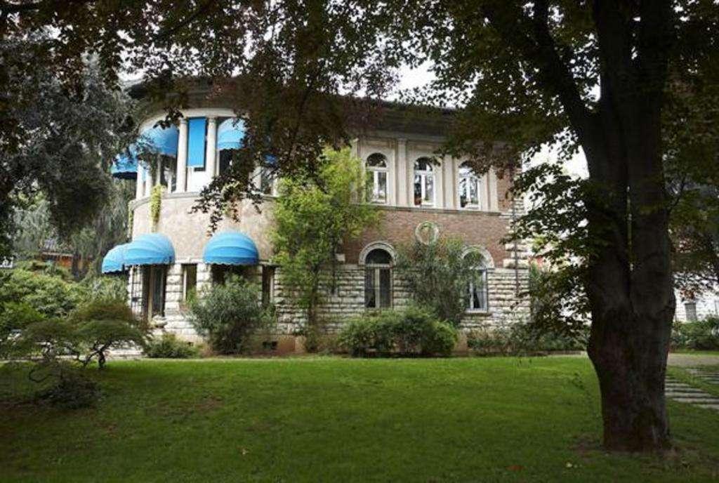 Villa in vendita a Brescia, 10 locali, zona Località: 2-BRESCIANORD,MOMPIANO,VILLAGGIOPREALPINO,SANROCCHINO,BORGOTRENTO,SANBARTOLOMEO,SANTEUSTACHIO,CASAZZA, prezzo € 5.000.000 | Cambio Casa.it