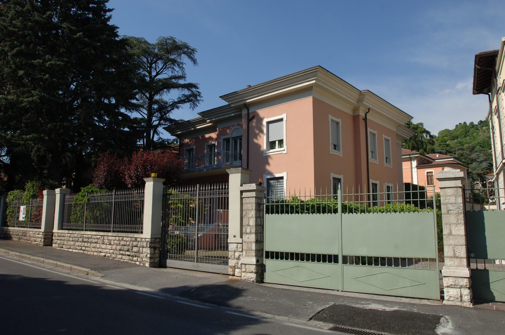 Attico / Mansarda in vendita a Brescia, 4 locali, zona Località: 3-PORTAVENEZIA,PANORAMICA,VIALEBORNATA, prezzo € 570.000 | Cambio Casa.it