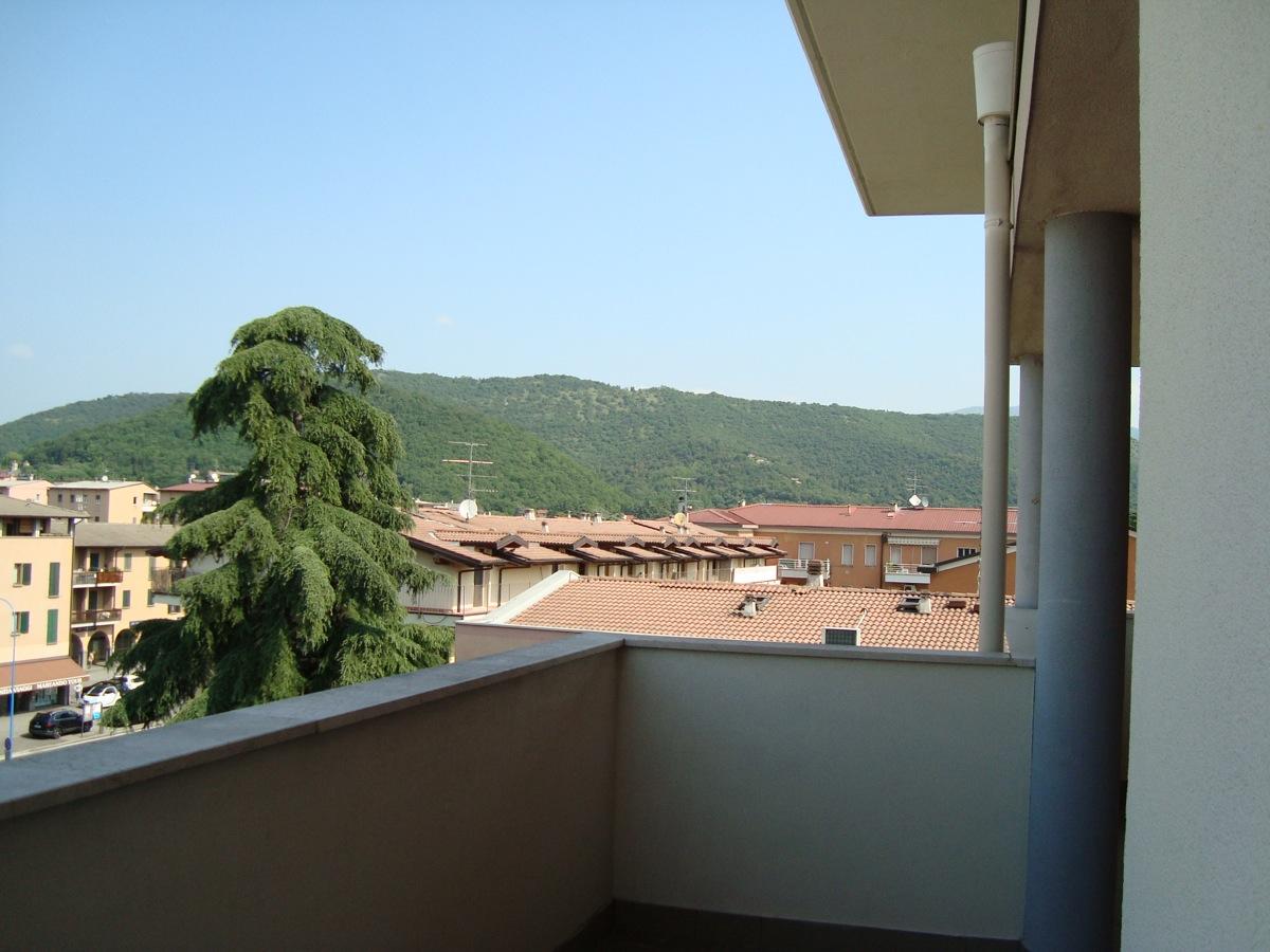 Attico / Mansarda in vendita a Brescia, 3 locali, zona Località: 6-CHIUSURE,FIUMICELLO,PRIMOMAGGIO,URAGOMELLA,VILLAGGIOBADIA,VILLAGGIOVIOLINO, prezzo € 260.000 | Cambio Casa.it