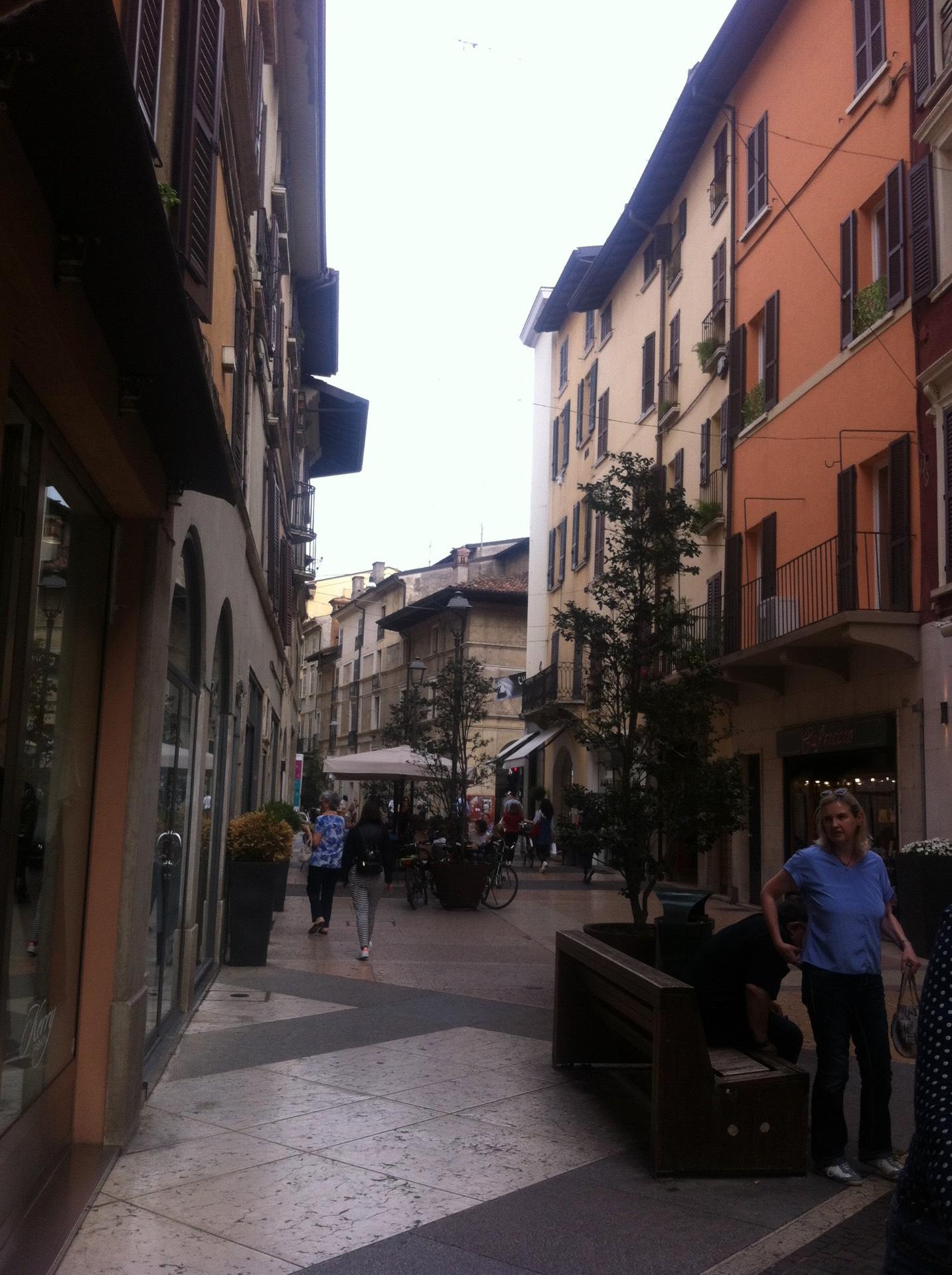 Attività / Licenza in Vendita a Brescia