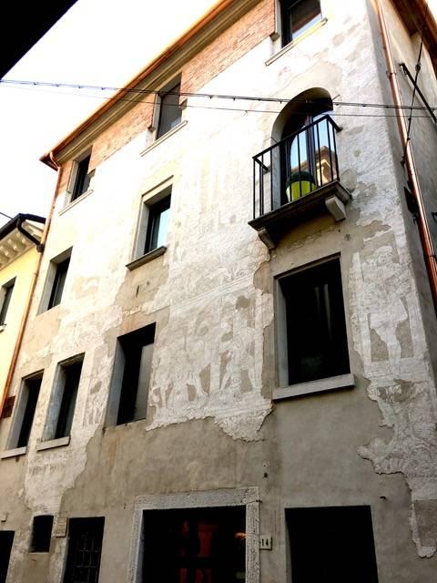 Appartamento in affitto a Treviso, 5 locali, zona Località: Centrostorico, prezzo € 950 | CambioCasa.it