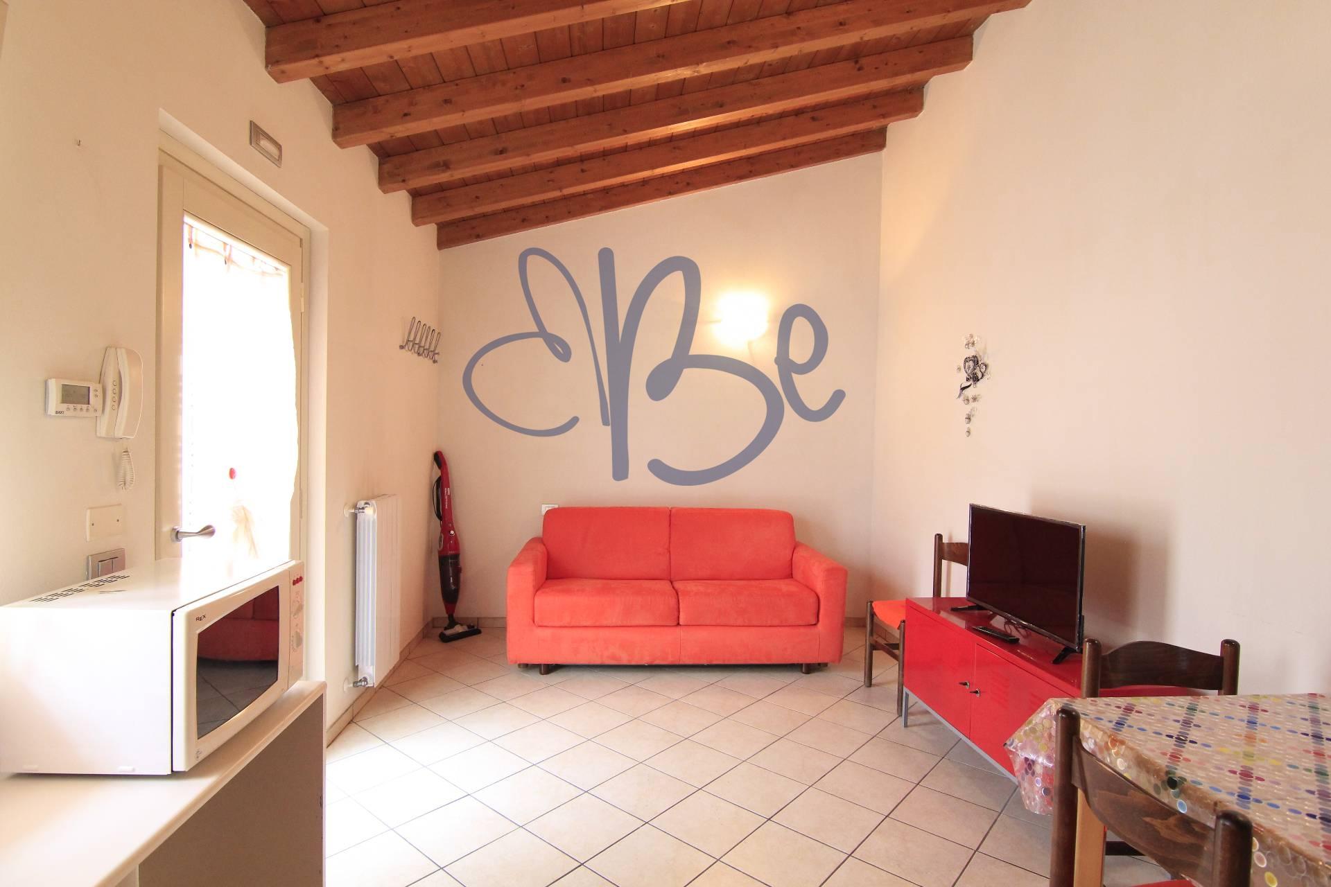 Appartamento in affitto a Toscolano-Maderno, 2 locali, zona Zona: Maderno, Trattative riservate | Cambio Casa.it