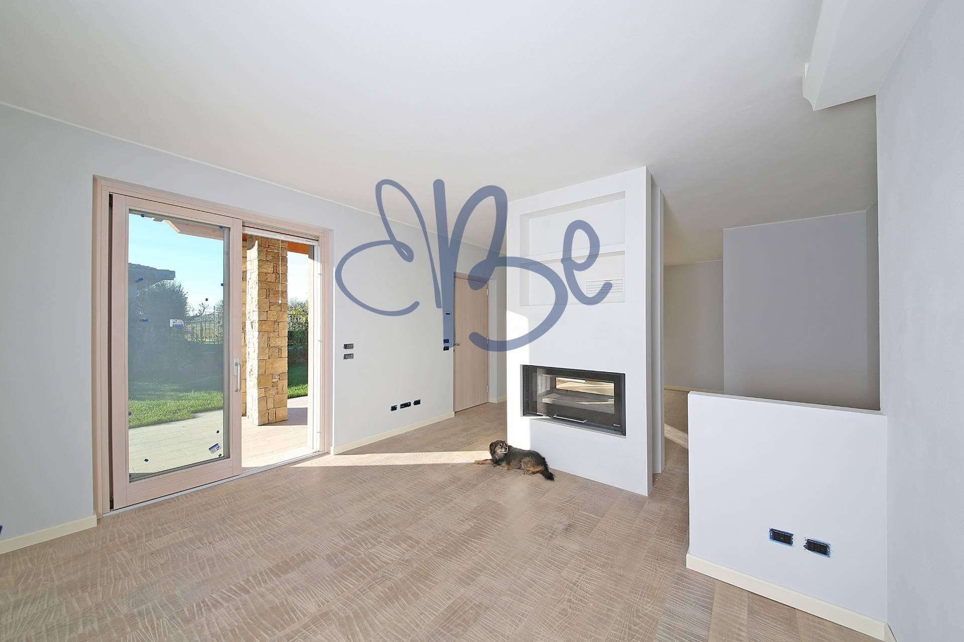 Villa in vendita a Puegnago sul Garda, 5 locali, prezzo € 550.000   Cambio Casa.it