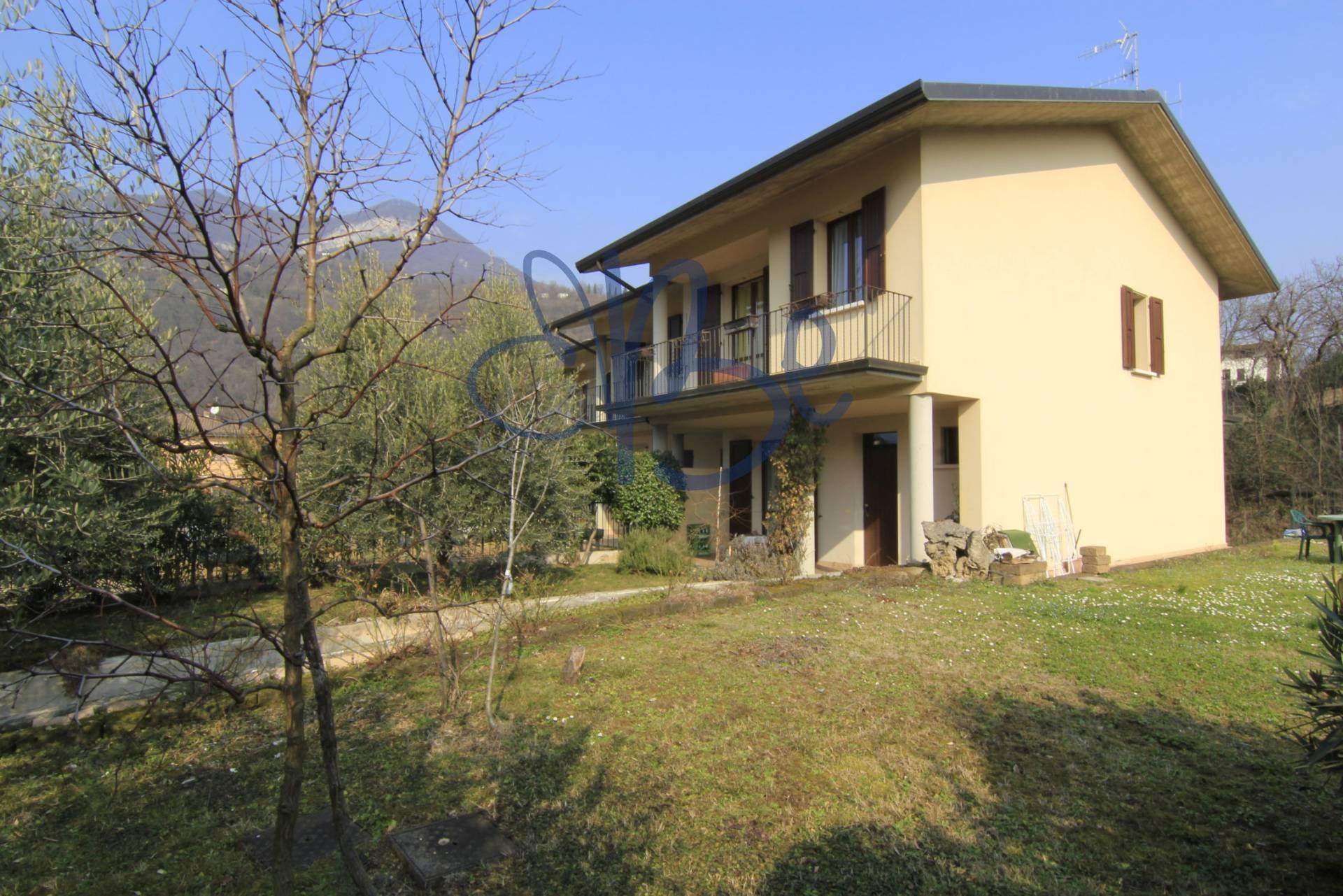 Villa a Schiera in vendita a Roè Volciano, 5 locali, prezzo € 255.000 | Cambio Casa.it