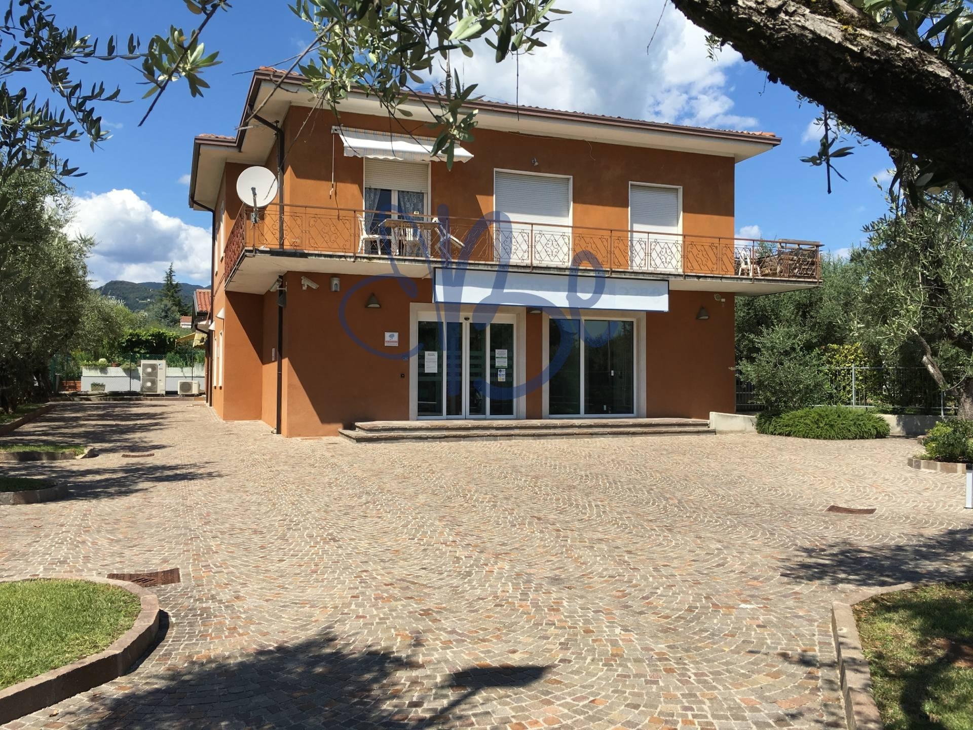 Negozio / Locale in affitto a San Felice del Benaco, 9999 locali, prezzo € 1.800   Cambio Casa.it