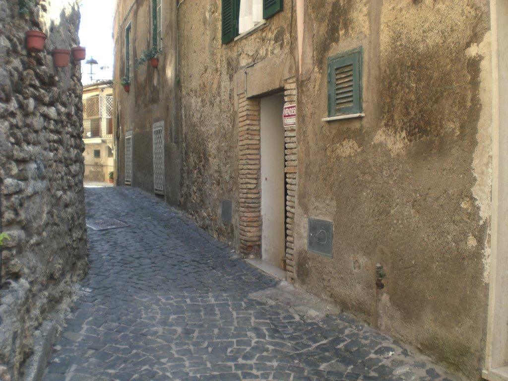 Bilocale vendita palombara sabina via montecavallo for Planimetrie di 1400 piedi quadrati