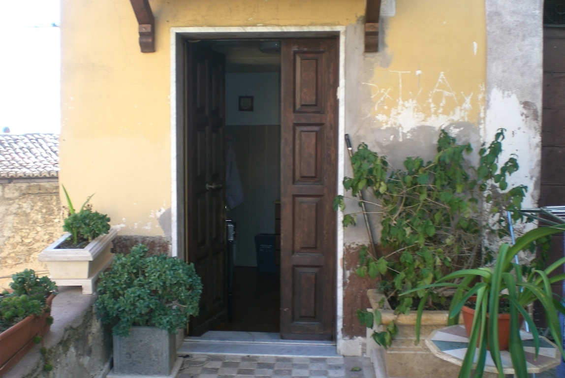 Appartamento in vendita a Palombara Sabina, 2 locali, prezzo € 38.000 | Cambio Casa.it