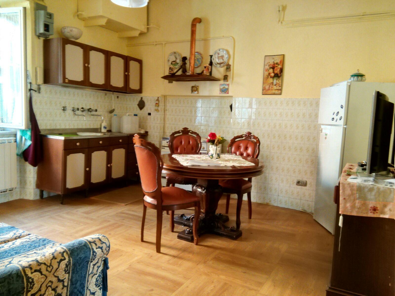 Appartamento in vendita a Palombara Sabina, 3 locali, prezzo € 53.000 | Cambio Casa.it