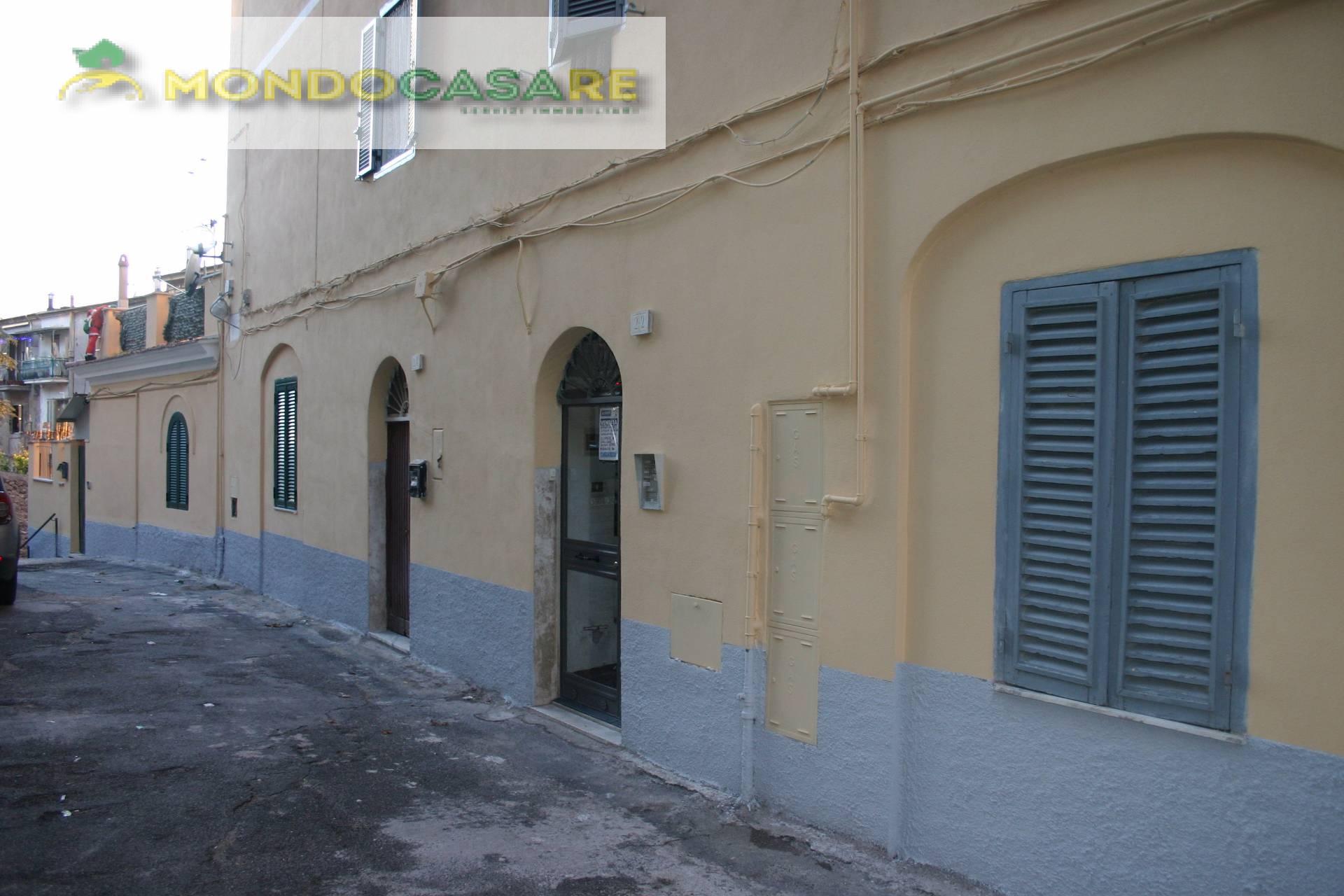 Appartamento in vendita a Palombara Sabina, 3 locali, prezzo € 79.000 | Cambio Casa.it