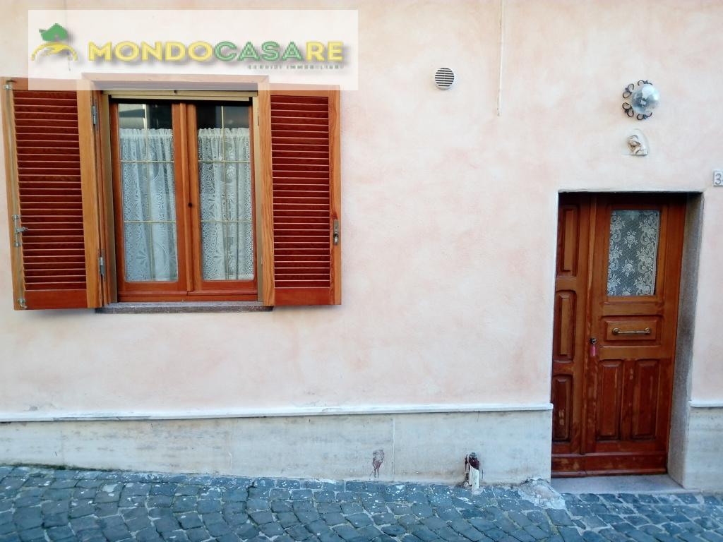 Appartamento in vendita a Monteflavio, 2 locali, prezzo € 25.000 | Cambio Casa.it