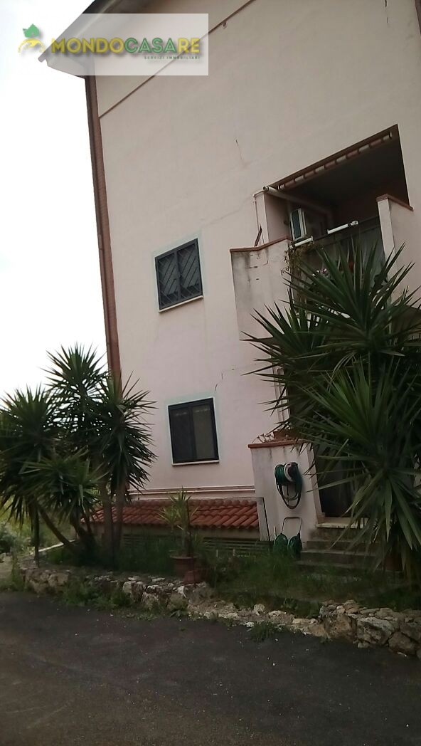 Appartamento in vendita a Palombara Sabina, 4 locali, prezzo € 175.000 | Cambio Casa.it