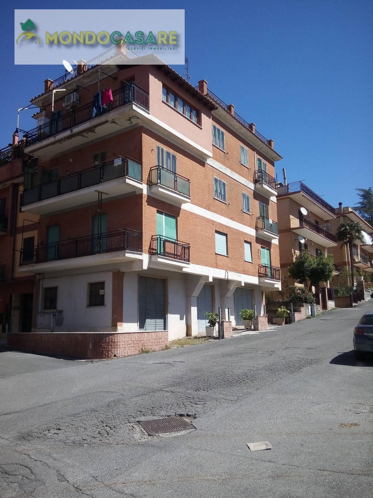 Appartamento in vendita a Palombara Sabina, 4 locali, prezzo € 153.000 | Cambio Casa.it