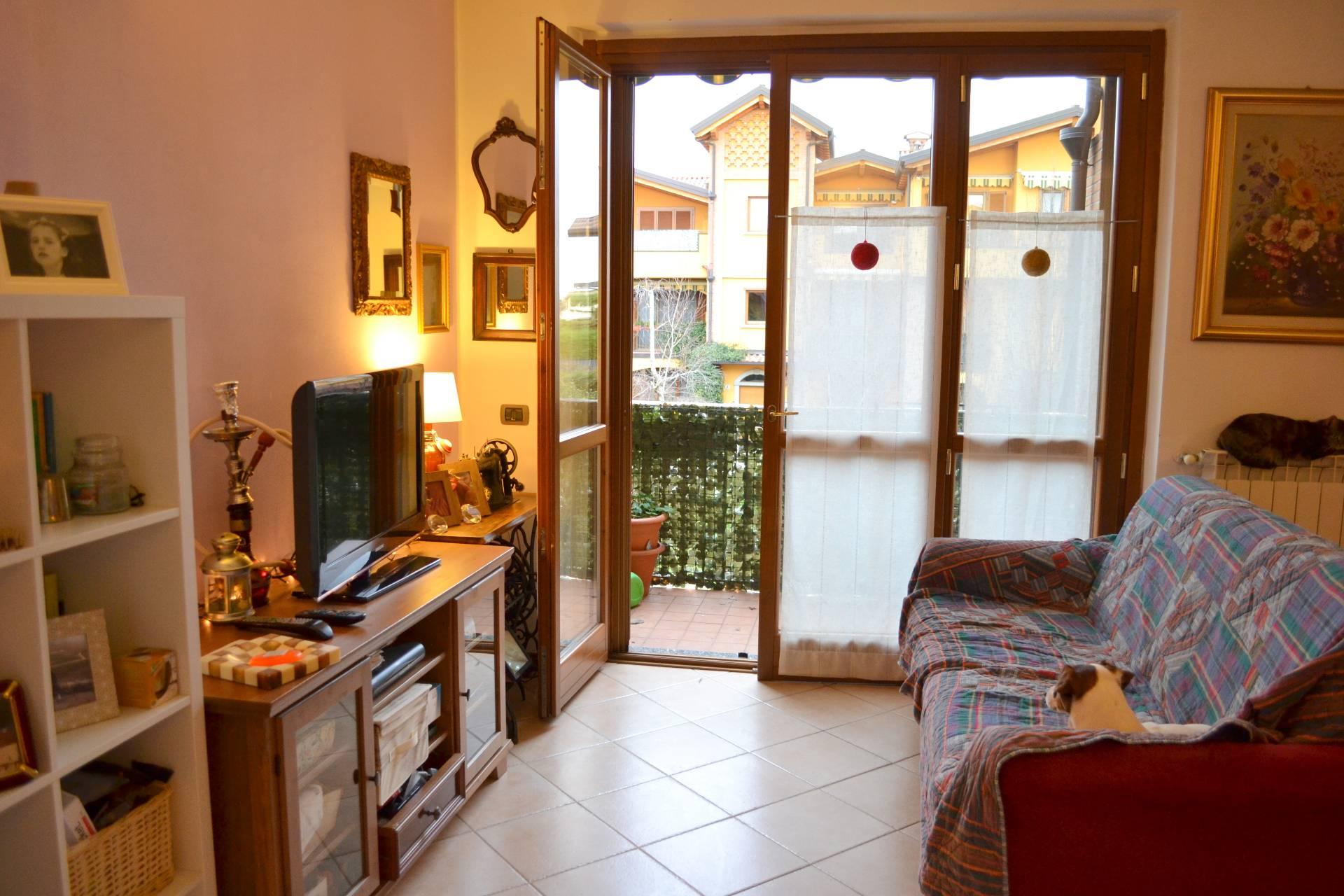 Trezzano Rosa | Appartamento in Vendita in via Giovanni Bramati | lacasadimilano.it