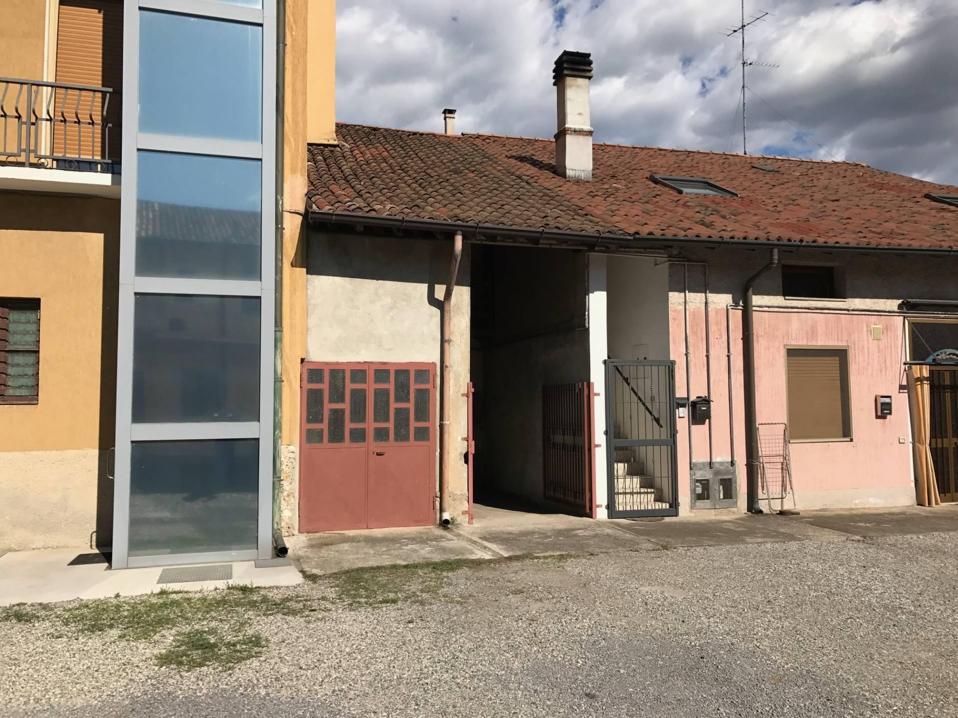Vaprio d'Adda | Casa Indipendente in Vendita in via manzoni | lacasadimilano.it