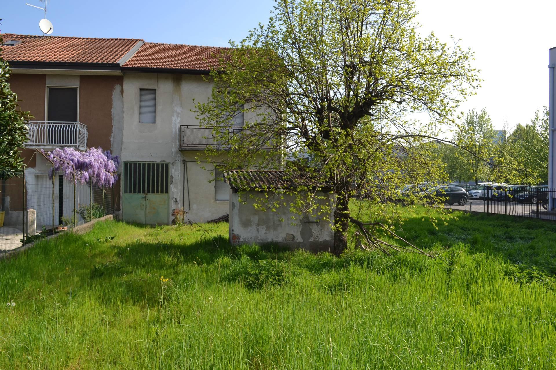 Trezzano Rosa | Casa Indipendente in Vendita in via fratelli cervi  | lacasadimilano.it