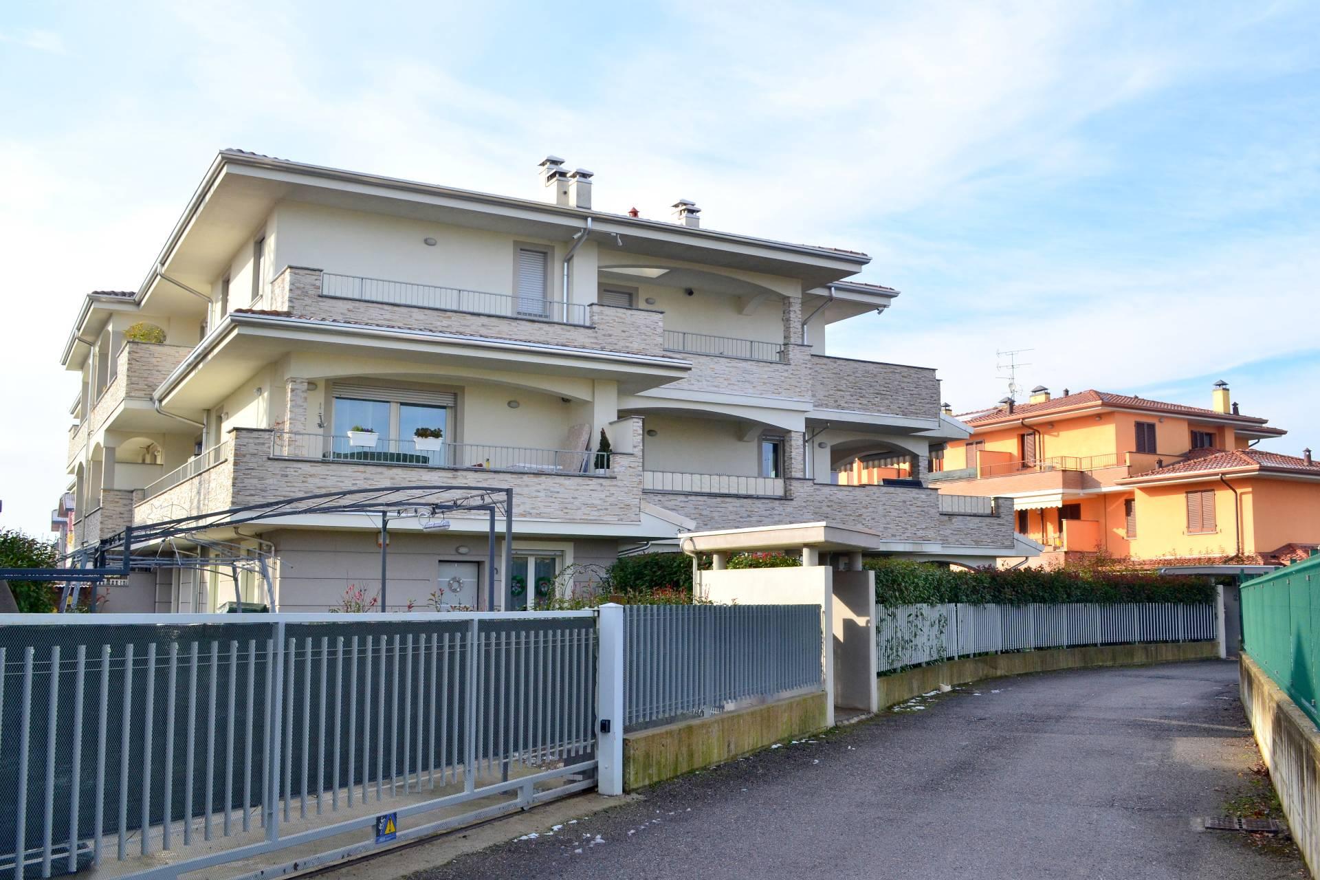 Trezzano Rosa | Appartamento in Vendita in Via Aldo Moro | lacasadimilano.it